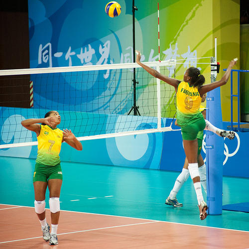 how to build a volleyball spike trainer